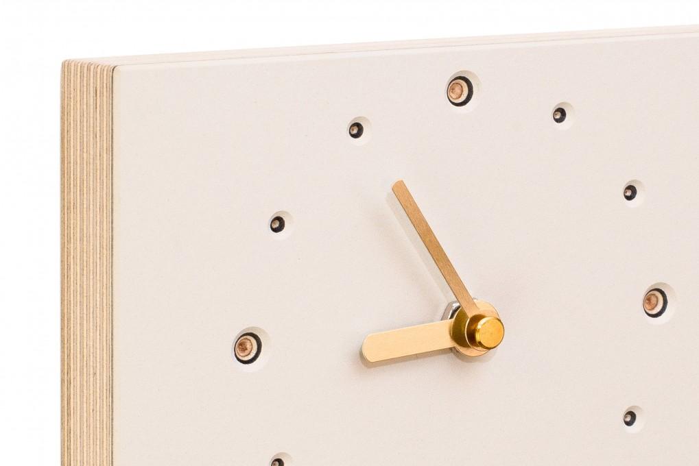 quadratische wanduhr wei klotzaufklotz exzellente holzprodukte. Black Bedroom Furniture Sets. Home Design Ideas