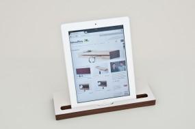 Tablet-Ständer Nussbaum (passend zu iPad)