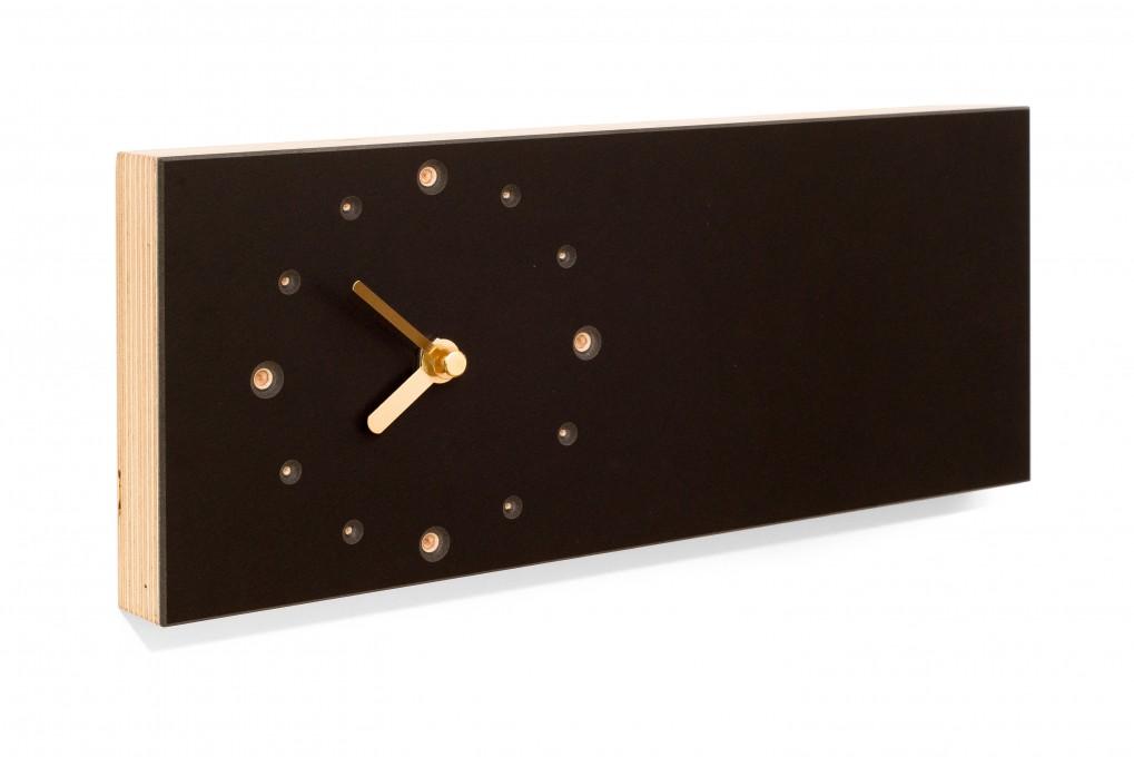 l ngliche wanduhr schwarz klotzaufklotz exzellente. Black Bedroom Furniture Sets. Home Design Ideas