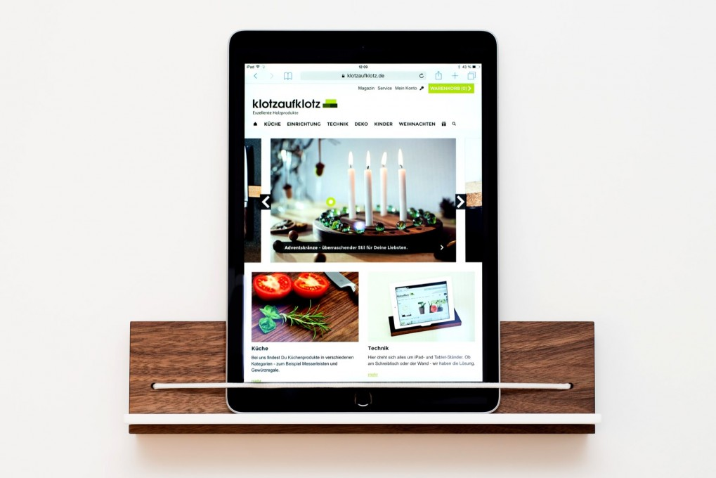 wandhalterung ipad klotzaufklotz exzellente holzprodukte. Black Bedroom Furniture Sets. Home Design Ideas