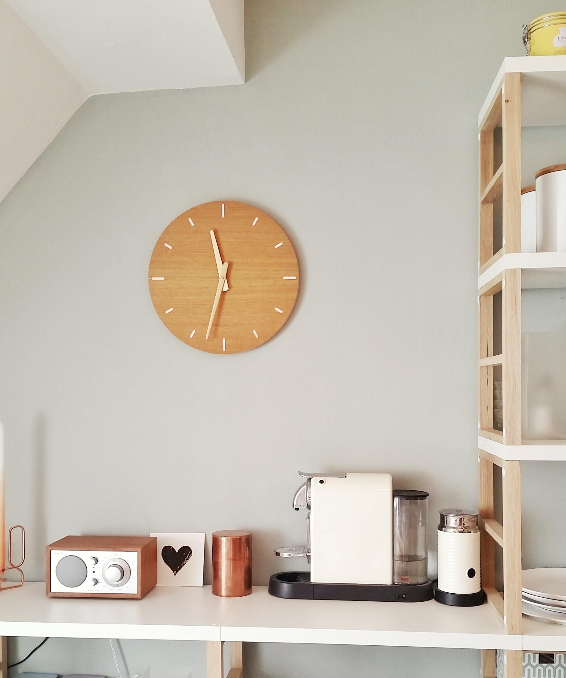 freie wildbahn unsere wanduhr klotzaufklotz. Black Bedroom Furniture Sets. Home Design Ideas