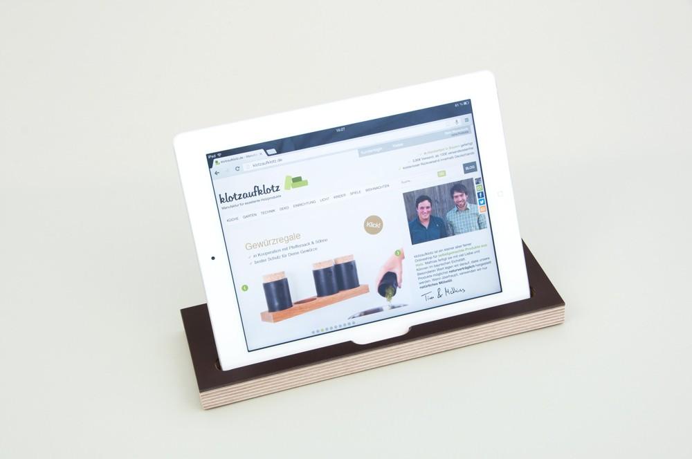 tablet st nder holz klotzaufklotz exzellente holzprodukte. Black Bedroom Furniture Sets. Home Design Ideas