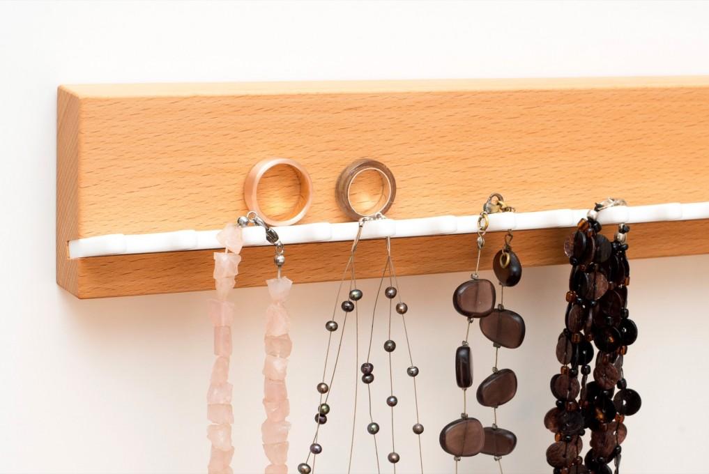 schmuckaufbewahrung aus buchenholz klotzaufklotz. Black Bedroom Furniture Sets. Home Design Ideas