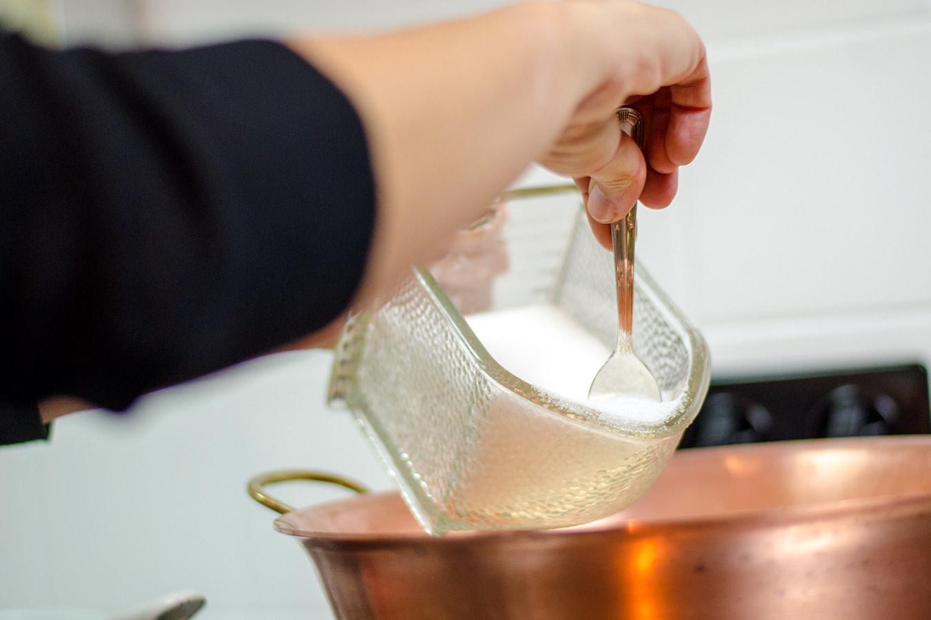 Karamellbonbons machen